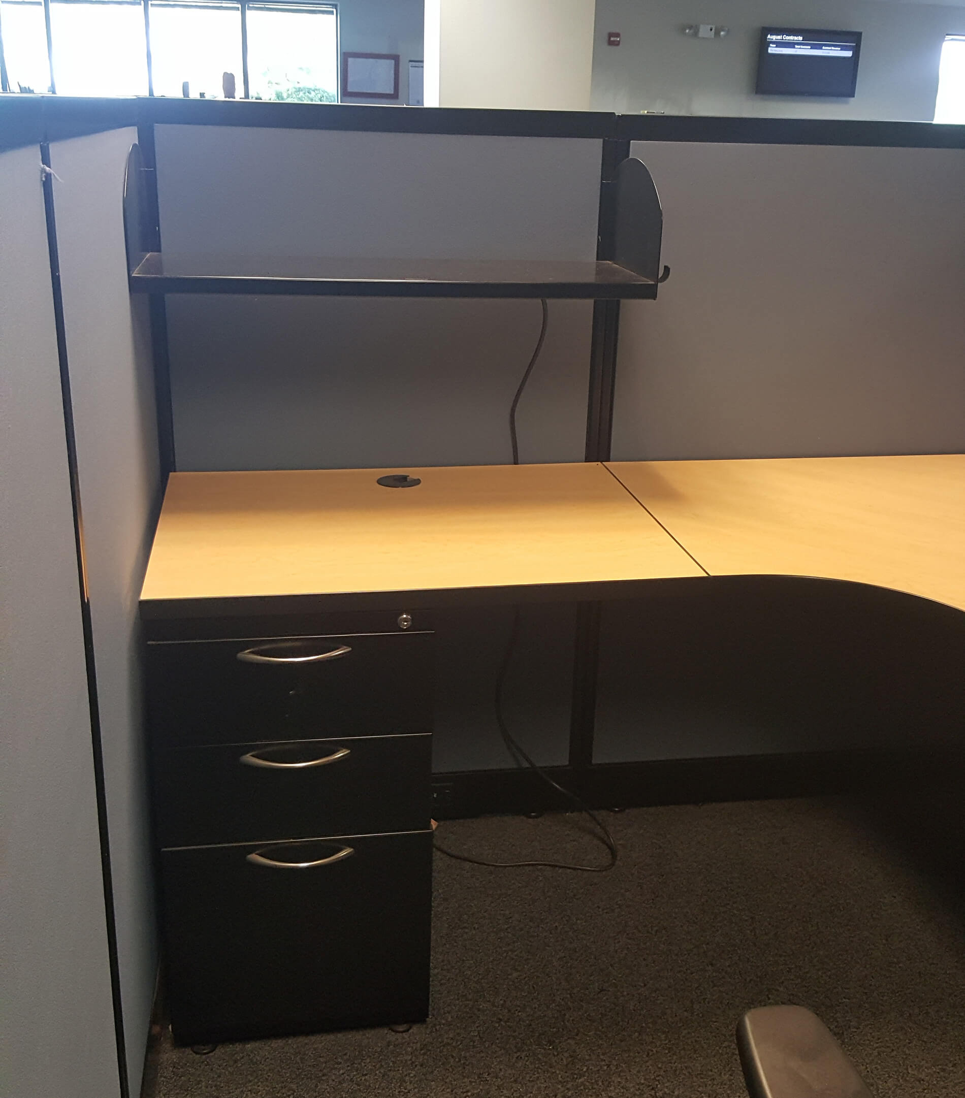 Ais Mwall 5x5 5 Medium Panels Used Cubicles