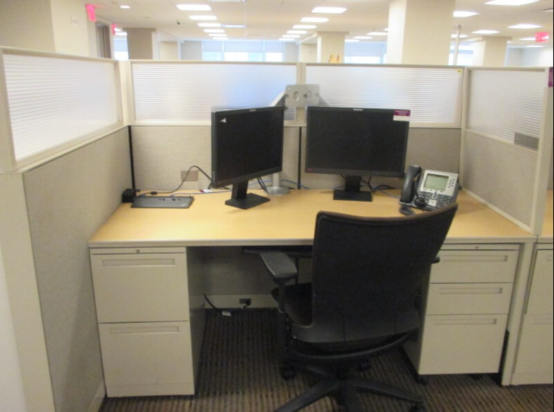 Used Office Cubicles   Tall Panels
