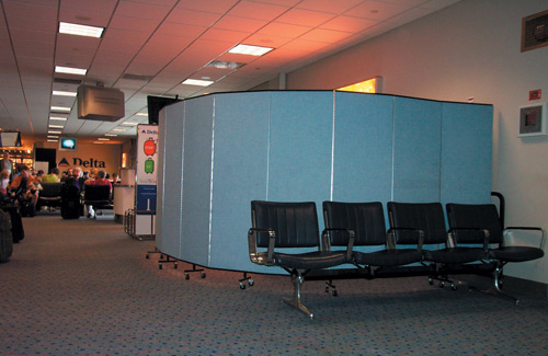 Movable wall partitions for transportation - train stations