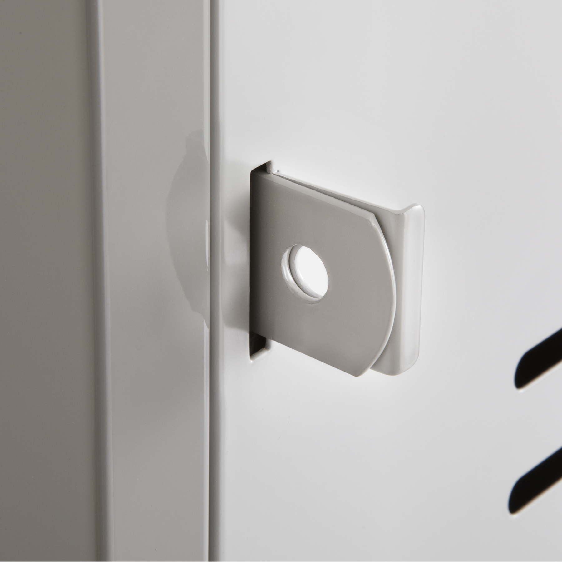 Box locker lock mechanism