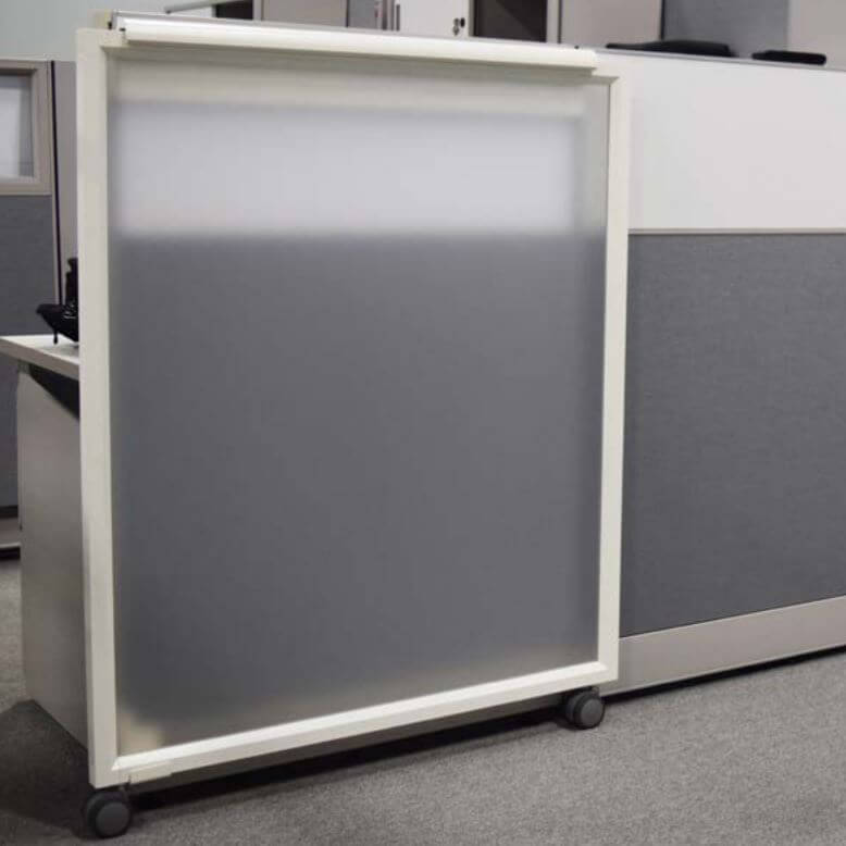 Cubicles with sliding door door 1