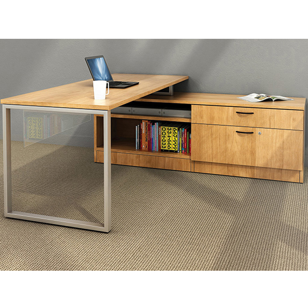 custom-office-furniture-desks-CUB-B2015-02-FOI.jpg
