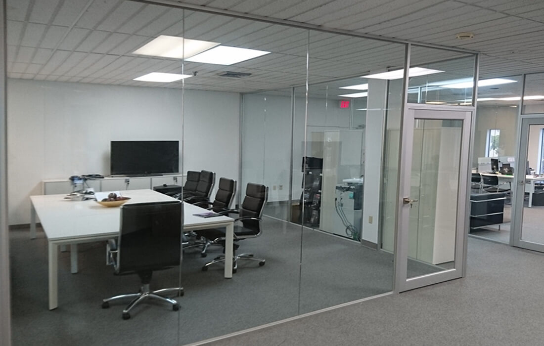 glass-wall-systems-conference-room-glass-wall.jpg