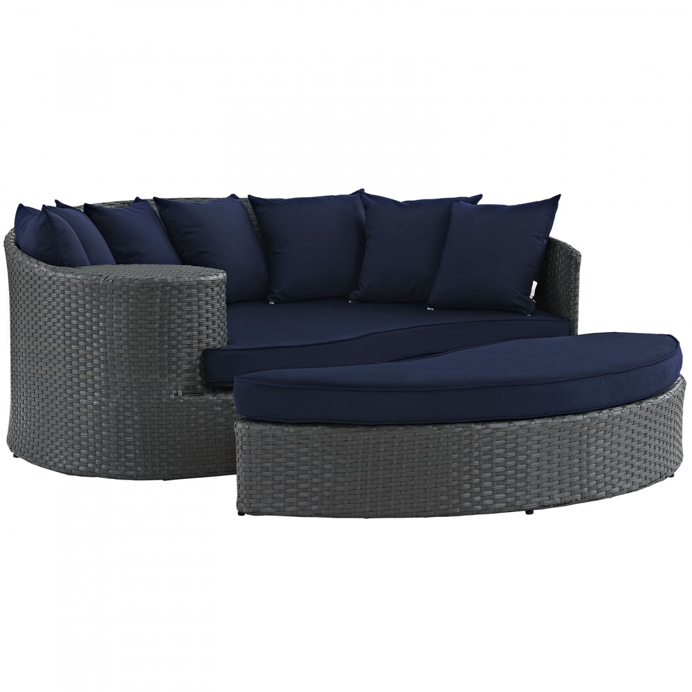 patio-table-and-chairs-modern-daybed-sofa.jpg