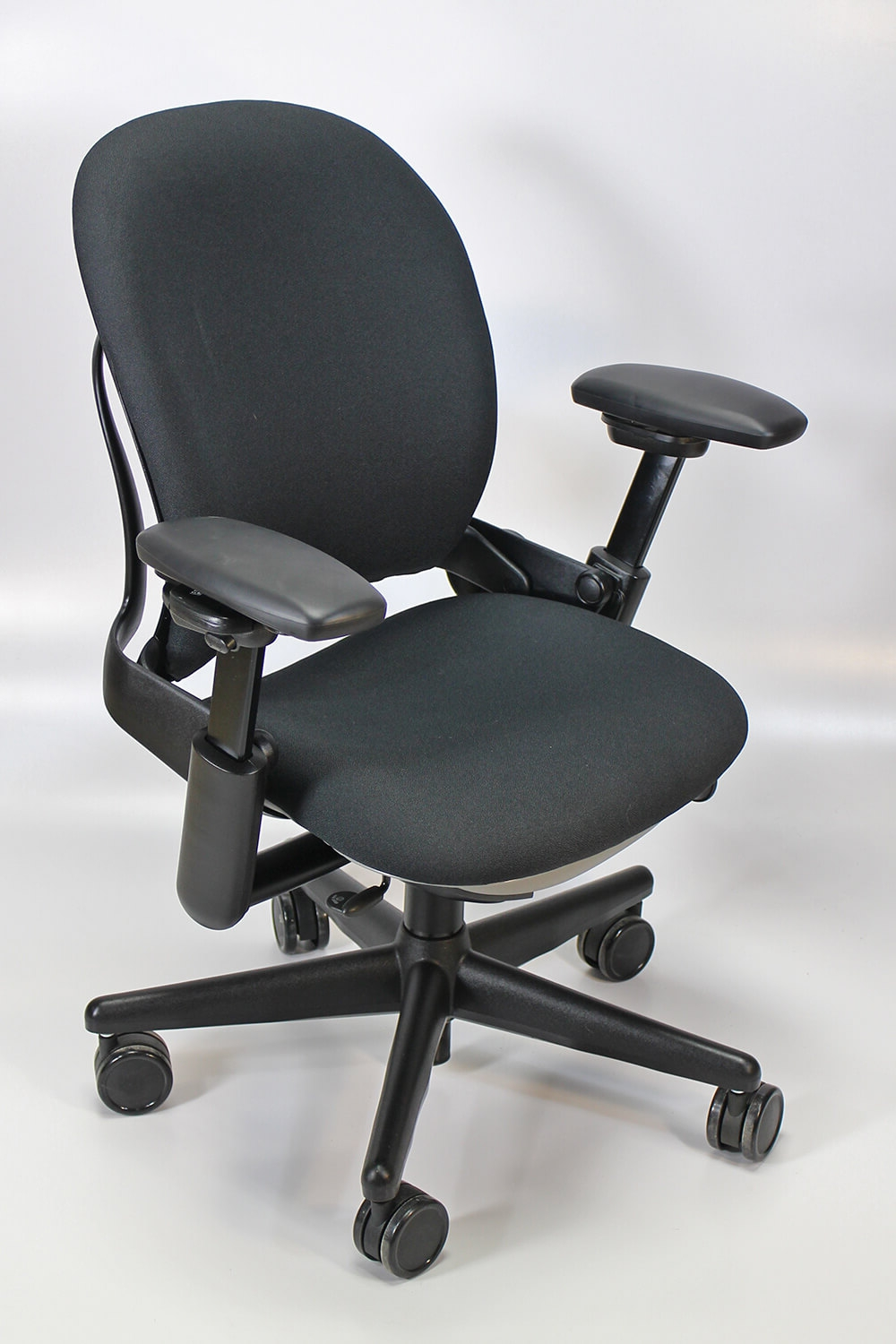 Steelcase Chairs Steelcase Leap V1