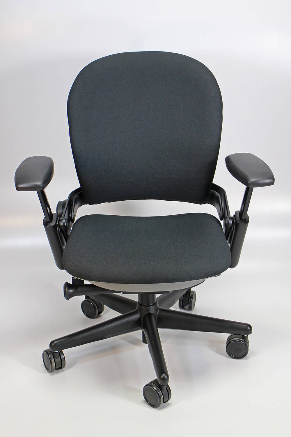 Steelcase leap v1 front view