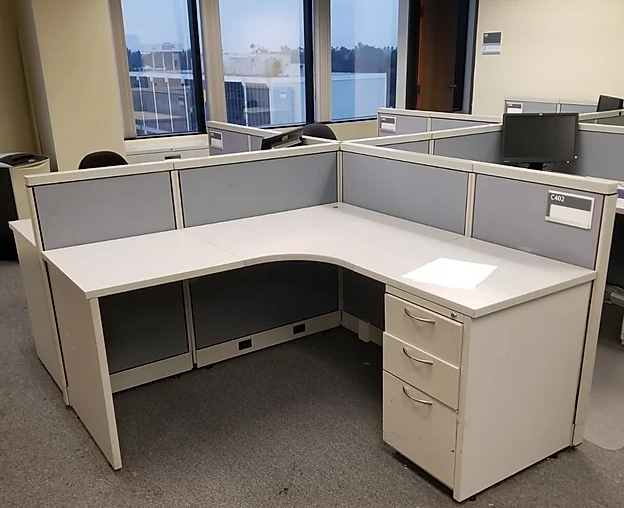 Used Steelcase Avenir - Medium Panels - Used Cubicles