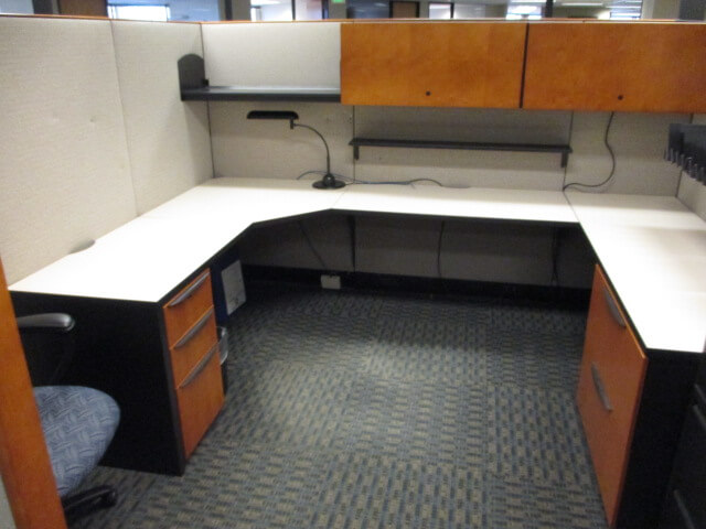 Used cubicles with tall panels from Haworth - This Haworth office furniture includes spacious storage that helps you to clean workspace