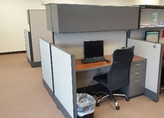 Used cubicles with Low/High Panel Combos from AIS - overall view