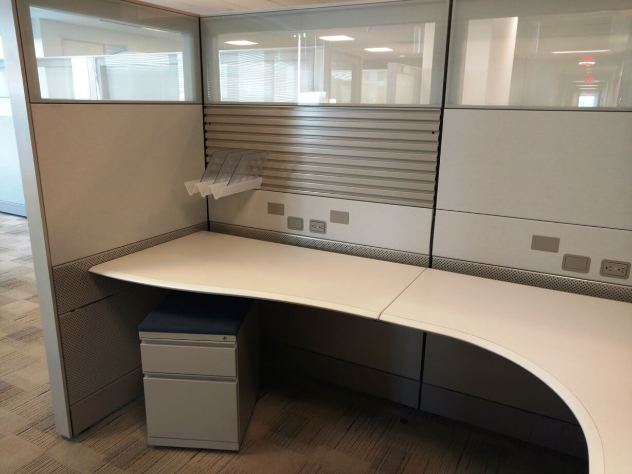 Herman Miller Ethospace - Large worksurface