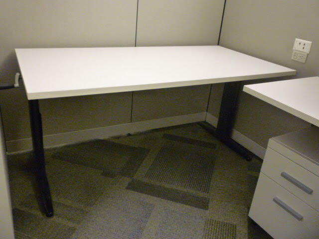 Steelcase Answer - Height Adjustable Desk
