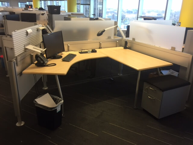 Steelcase Post and Beam - Excellent Condition